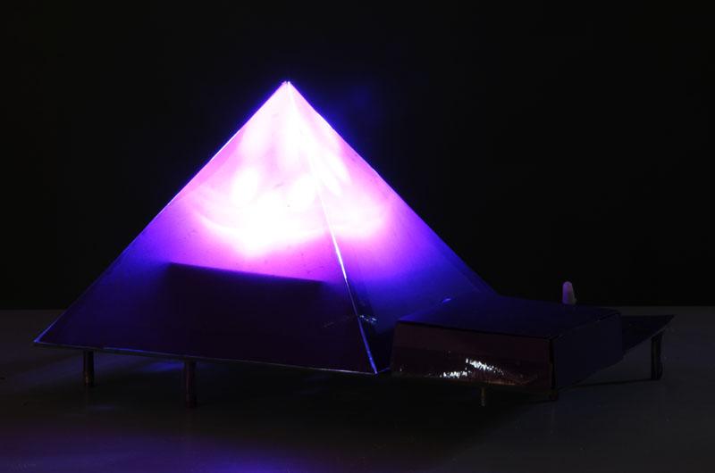 通用技术课程优秀台灯作品展示